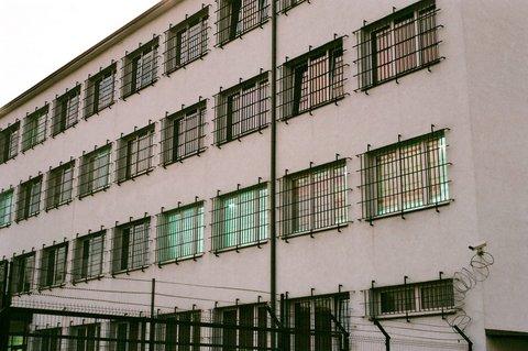 Biala Podlaska Guarded Centre (No Borders Group Warsaw, https://migracja.noblogs.org/obozy-strzezone-detention-camps/biala-podlaska/english/)