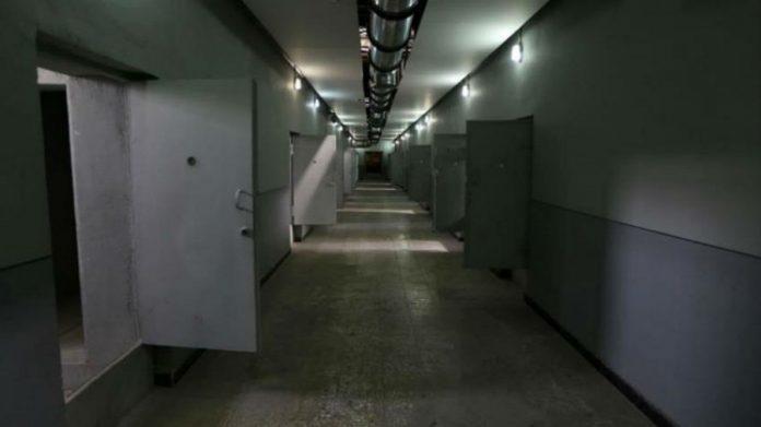 Inside an Emirati Prison, (https://thearabmirror.com/%D8%A8%D8%A7%D9%84%D9%81%D9%8A%D8%AF%D9%8A%D9%88-%D8%AA%D8%AD%D9%82%D9%8A%D9%82-%D8%AF%D9%88%D9%84%D9%8A-%D9%88%D8%B1%D9%88%D8%A7%D9%8A%D8%A7%D8%AA-%D8%B5%D8%A7%D8%AF%D9%85%D8%A9-%D9%84%D9%85%D8%B9/)