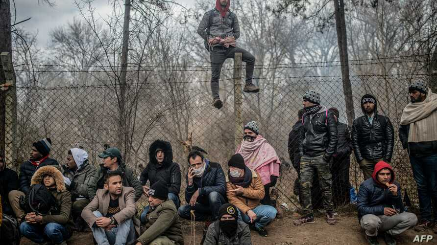 Migrants Waiting Near  Buffer Zone at the Turkey-Greece Border in the Edirne District in February 2020, (AFP,