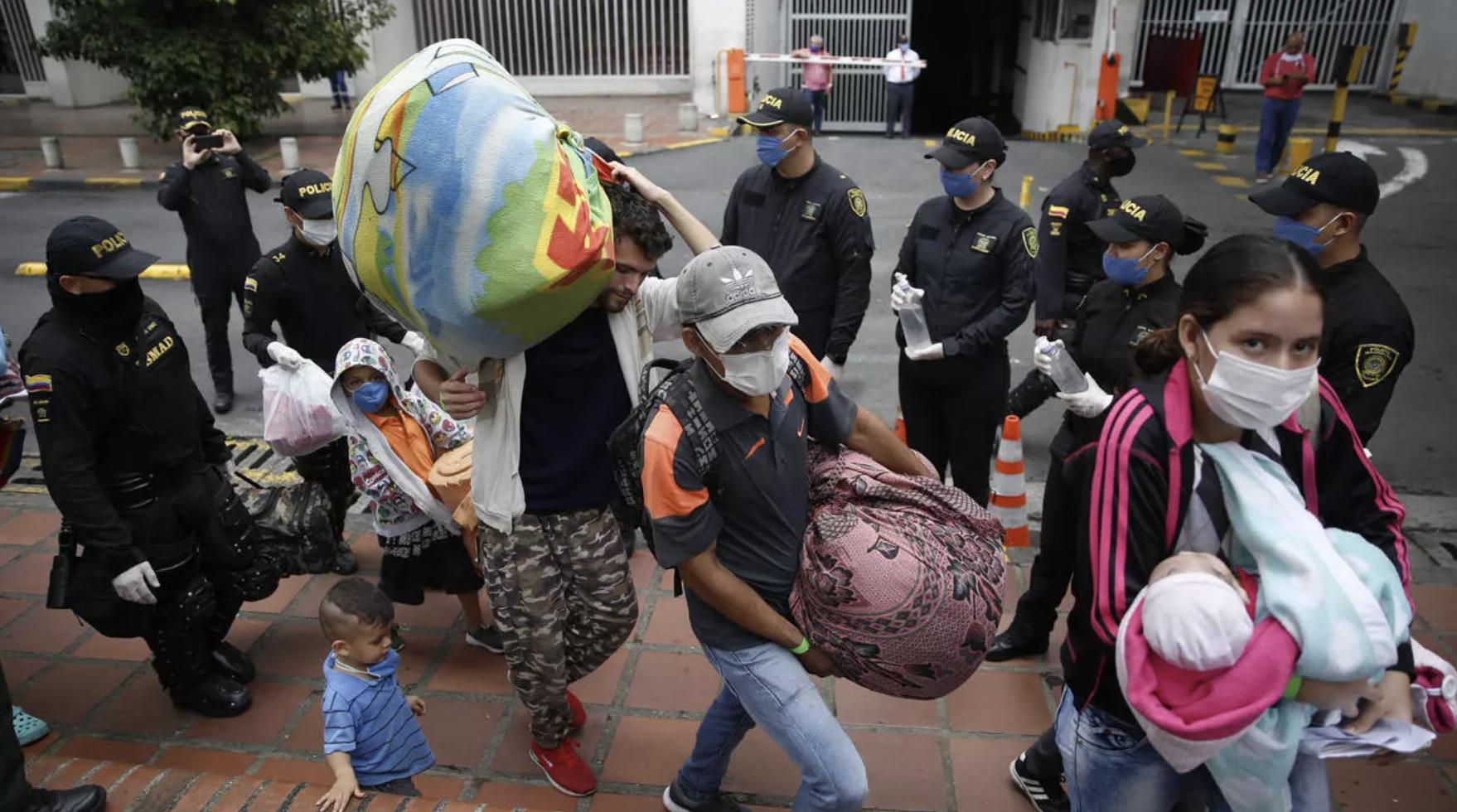 """N. Plazas, """"Más de 90,000 Venezolanos han Retornado a Venezuela Desde  Colombia Durante la Pandemia,"""" France 24, 22 July 2020, https://www.france24.com/es/20200721-venezuela-migrantes-colombia-retorno-coronavirus"""